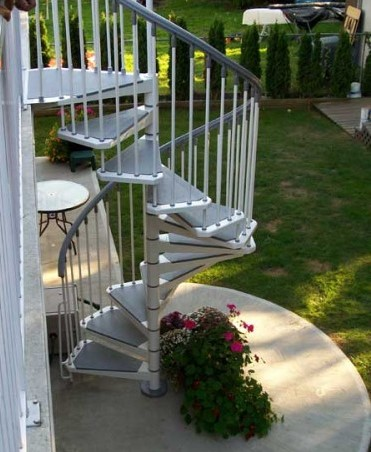 Eureka Indoor Outdoor Spiral Staircase in White2
